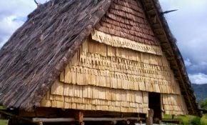 Besar 21 Gambar Rumah Adat Maluku Utara 63 Ide Renovasi Rumah oleh 21 Gambar Rumah Adat Maluku Utara
