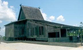 Menawan 21 Gambar Rumah Adat Kalimantan 41 Tentang Ide Merombak Rumah Kecil untuk 21 Gambar Rumah Adat Kalimantan