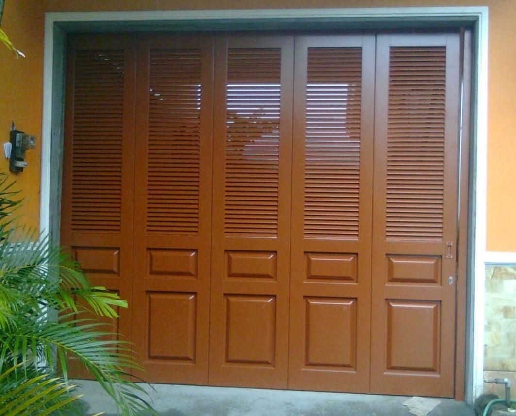 24 Kumpulan Model Pintu Garasi Kayu Terbaru dan Terlengkap ...