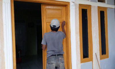 31 Ragam Seni Cat Pintu Rumah Paling Banyak di Cari
